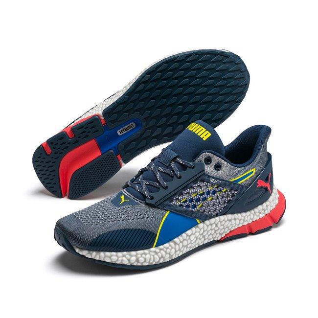 PUMA Hybrid Astro pánské boty, Barva: tmavě modrá, Materiál: Svršek: mesh, NETFIT, Mezipodešev: IGNITE pěna, Podešev: guma, Ostatní: Sportovní boty Hybrid Astro jsou nejčerstvější novinkou mezi běžeckými botami. tyto boty kombinují technologii dvou speciálních pěn IGNITE a NRGY, díky nimž je zaručeno 100% pohodlí. Vhodné ke každodennímu sportování. - Objednejte nyní online na Pumashop.cz.