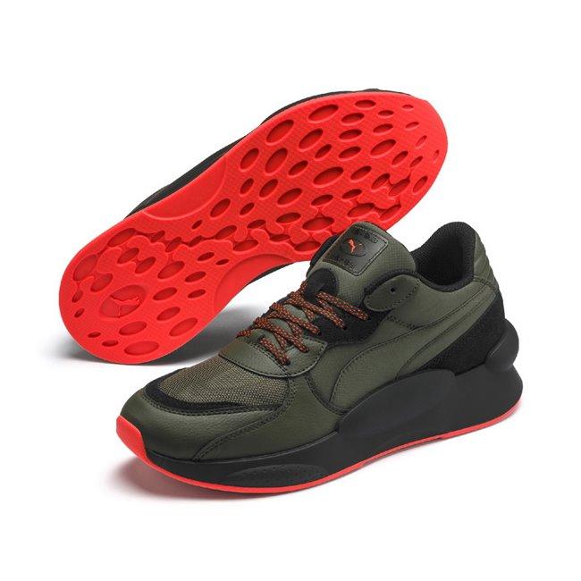 PUMA RS 9.8 TRAIL boty, Barva: tmavě zelená, Materiál: Svršek: textílie, Mezipodešev: PU, Podešev: guma, Ostatní: Sportovní boty z řady RS jsou vyrobeny z vysoce kvalitního materiálu, vnitřní stélka je vybavena speciální pěnou SoftFoam+, která zaručuje potřebný komfort a oporu při nošení. Tyto boty prostě musíte mít! - Objednejte nyní online na Pumashop.cz.