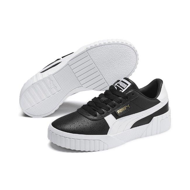 PUMA Cali Wns dámské boty, Barva: černá, Materiál: Svršek: kůže, Mezipodešev: guma, Podešev: guma, Ostatní: Sportovní boty Cali Wn s jsou vyrobeny z trvanlivého a kvalitního materiálu a disponují krásným moderním vzhledem. Celkově je bota velmi odlehčená, ale zároveň stabilní. Vhodná pro každodenní používání. - Objednejte nyní online na Pumashop.cz.