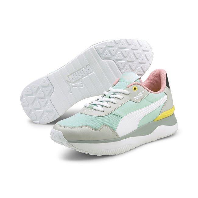 PUMA R78 Voyage dámské boty, Barva: modrá, Materiál: nylon, syntetické překrývky, guma, Dámské boty, které z vás udělají sportovní hvězdu! Jsou vyrobeny z měkké kůže, vnitřní stélka je díky pěně SoftFoam+ perfektně pohodlná, takže ani nebudete vědět, že tyhle boty nosíte. - Objednejte nyní online na Pumashop.cz.